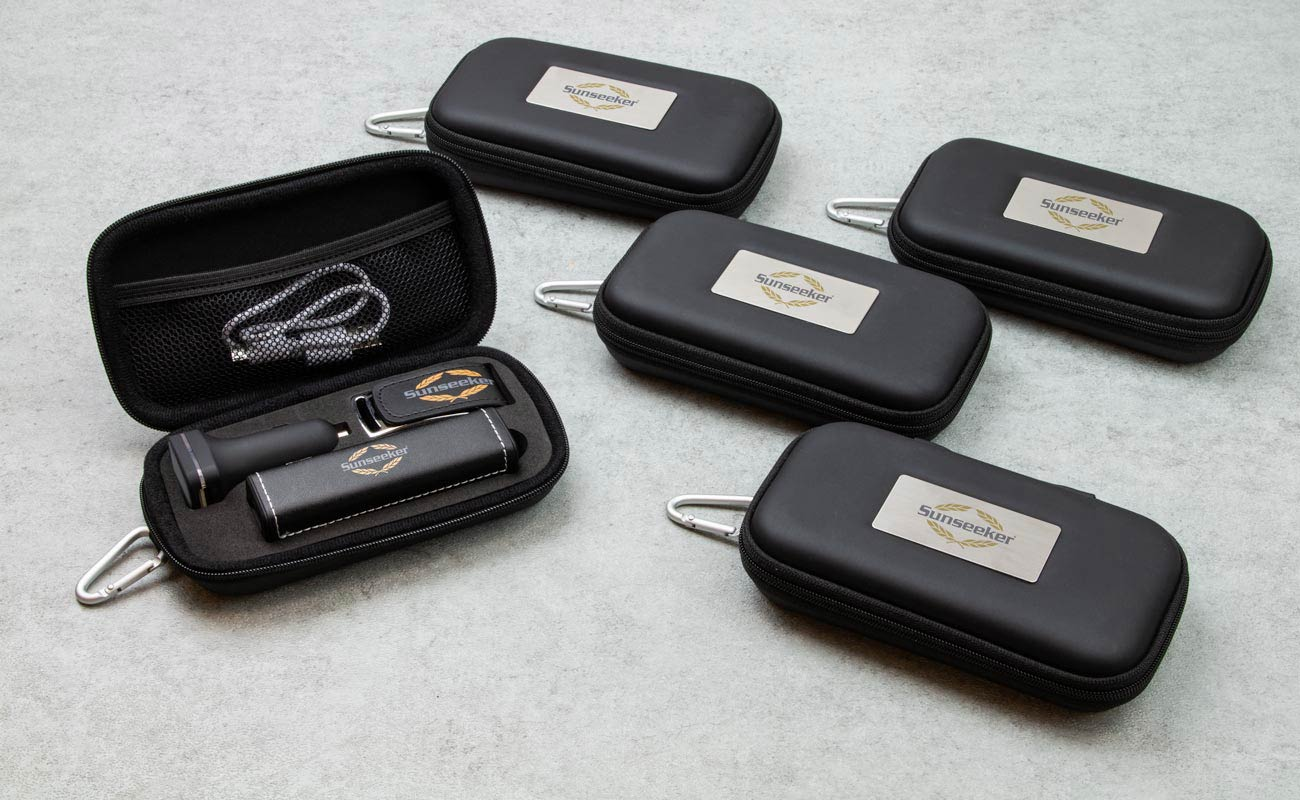 Leather M - USB Minne Med Tryck, Custom Portable Charger och Custom Car Charger